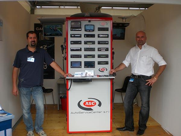 Equipaggiamenti-elettronici-sistemi-audio-video-Blaupunkt-Garmin